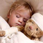 В каких случаях при температуре у ребенка необходимо вызывать скорую