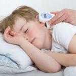 можно ли мерить температуру спящему ребенку