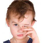 Почему у ребенка слезятся глаза