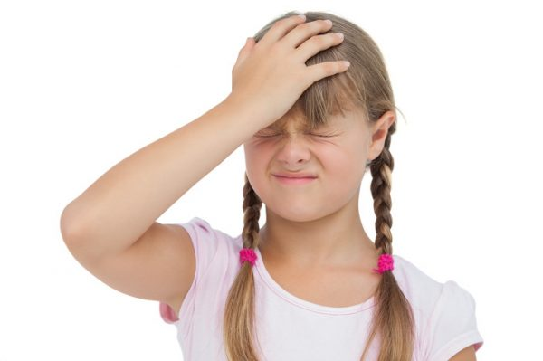 Головная боль у ребенка 10 лет: причины и лечение