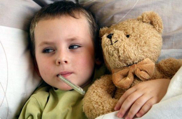 первая помощь при высокой температуре у ребенка