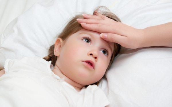 к вечеру поднимается температура у ребенка