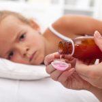Снижение температуры у детей с помощью медикаментов