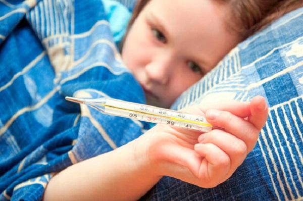 сколько держится температура при ангине у детей