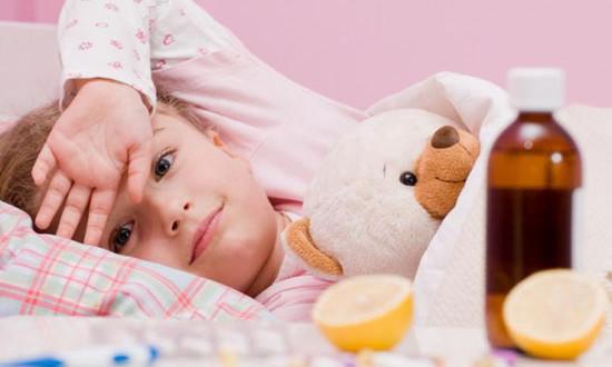 под разными подмышками разная температура у ребенка