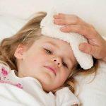 Какие неприятности для ребёнка может нести температура без кашля и соплей