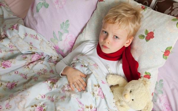 как без лекарств снизить температуру у ребенка в домашних условиях