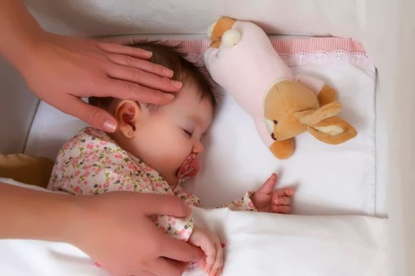 низкая температура у ребенка и потливость