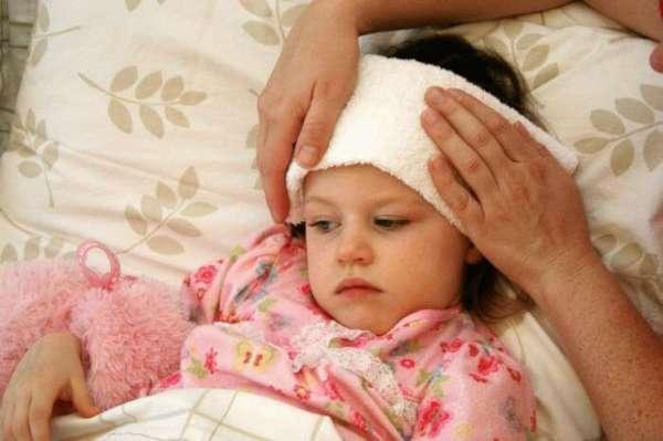 лоб у ребенка холодный а температура 38