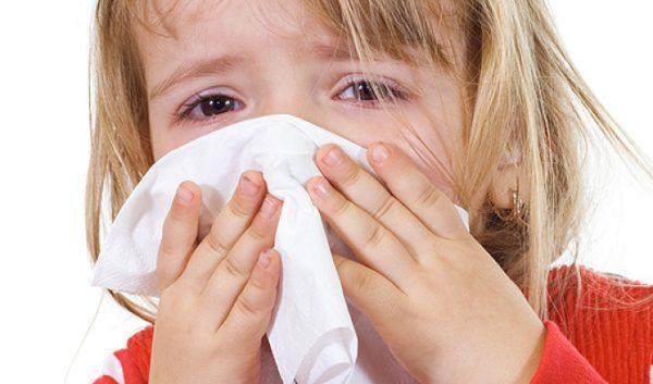 кровь из носа у ребенка при температуре