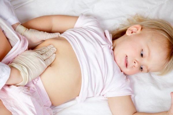 болит живот и температура у ребенка